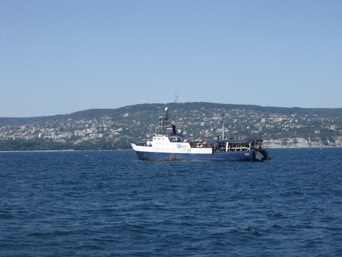 кораб-сеизмични-проучвания-мезень