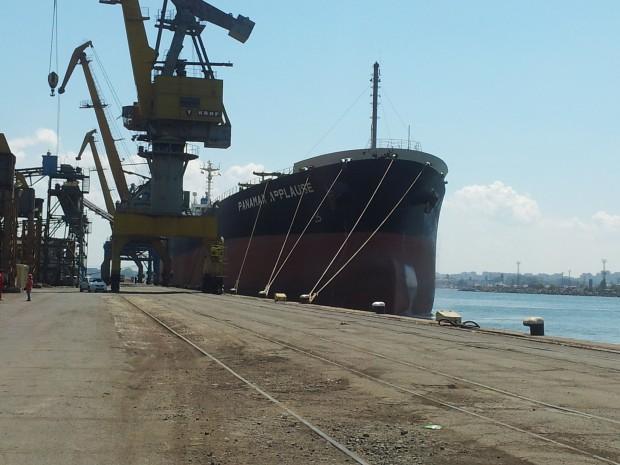 Кран затисна жена в Бургаски корабостроителници