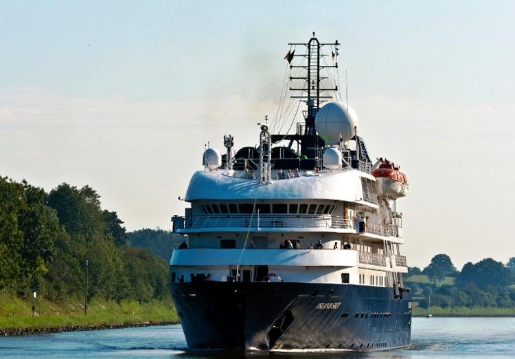 Над 10 хил. души посетили Варна по море през круизния сезон
