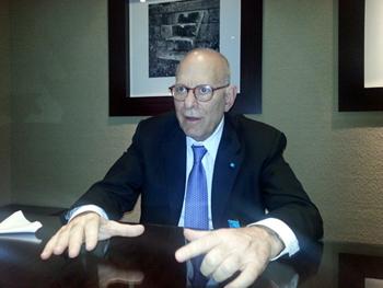 Ейбрахъм Унгар, президент на Ray Shipping