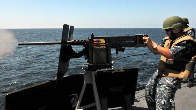 Американски кораб отрки огън по ирански съд в Персийския залив