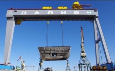 """Крим ще получи """"значителни средства"""" за военно корабостроене"""