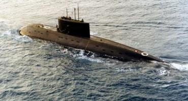 """Латвия """"видя"""" руска подводница край границите си"""