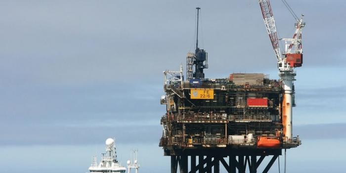 Един загинал и трима ранени при взрив на платформа в Мексиканския залив