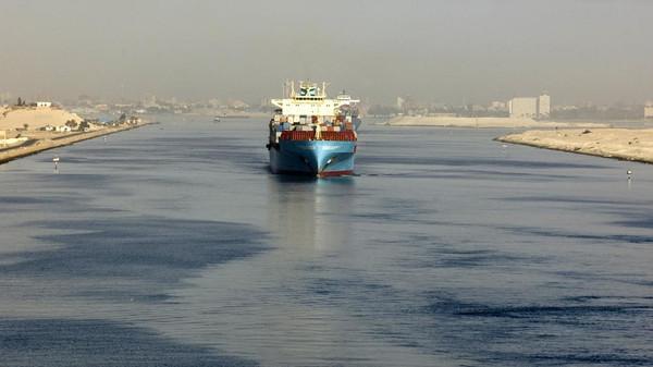 13 рибари загинаха при сблъсък между контейнеровоз и риболовен кораб край Египет