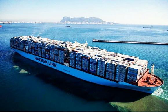 Контейнеровоз на Maersk отплава с над 18 хил. TEU (фото)