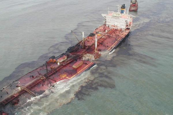 tanker-razliv