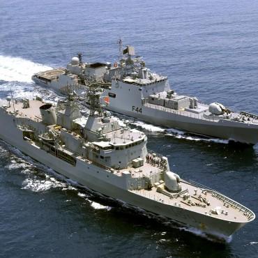 Индия поръчва четири нови бойни кораба