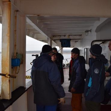 На палубата започнаха да ядат моряците на Asian Dream