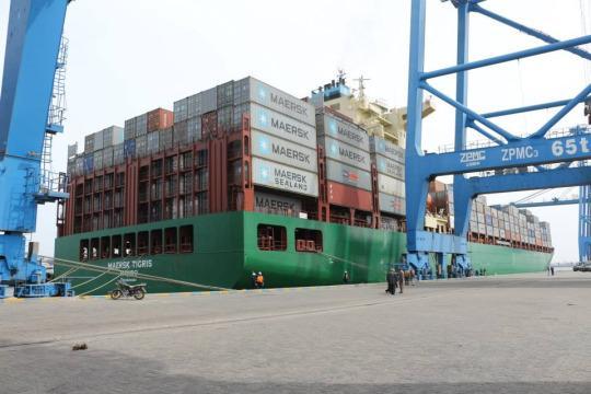 Maersk Tigris достигна до Дубай