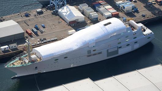 Руски милиардер строи най-голямата ветроходна яхта в света