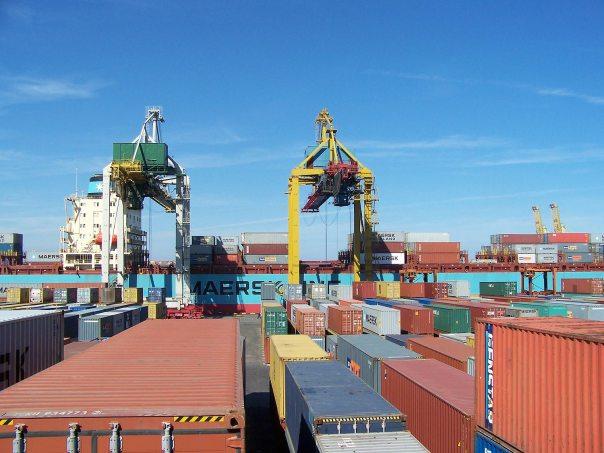 konteineri-cherno-more1-min