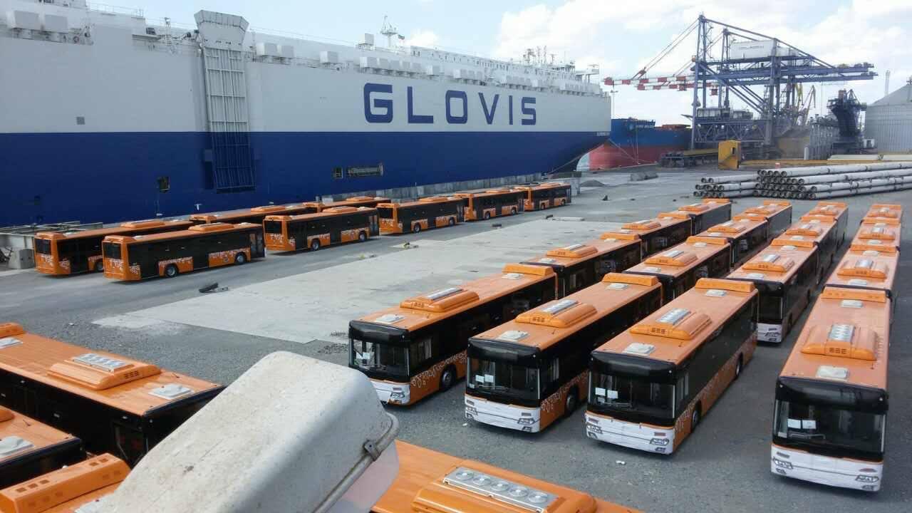 Нови автобуси за София доставиха в пристанище Бургас