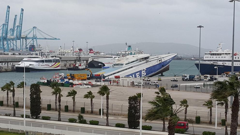 img_cfajardot_20170421-110046_imagenes_lv_terceros_ferry_algeciras-kVwG-U421918863340bSH-992x558@LaVanguardia-Web