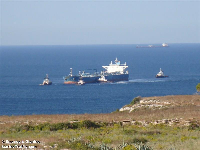 """""""С фалшификации опитват да откраднат 250-метров танкер в Бургас"""""""